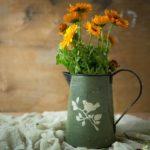 vaza-iz-lejki-dekor-v-stile-kantri